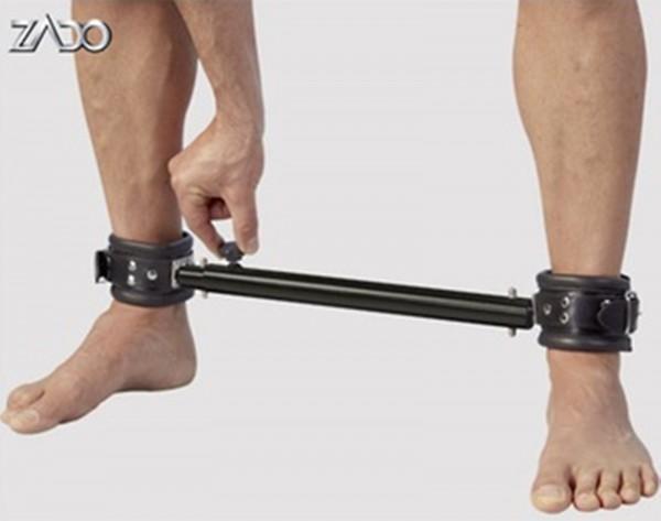 Leder Fußfessel ❘ gepolstert mit ausziehbarer Spreizstange